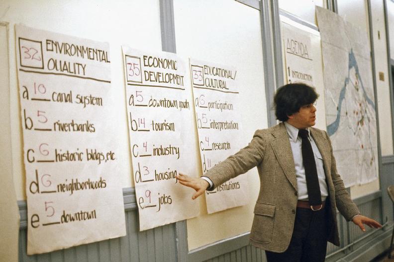 Michael Sand leading a workshop